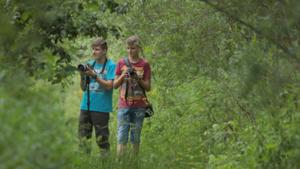Młodzież na warsztatach fotograficznych
