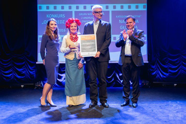 Przedstawicielka laureata w konkursie Opowiedz