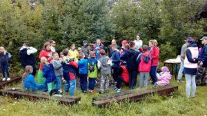 Uczestnicy pikniku kajakowo - edukacyjnego