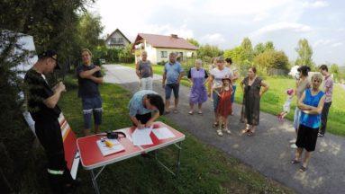 Spotkania z mieszkańcami i pokazy pierwszej pomocy odbywają się w weekendy.