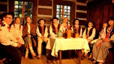 Wspólna próba młodych przed nagraniem sceny z życia Kliszczaków