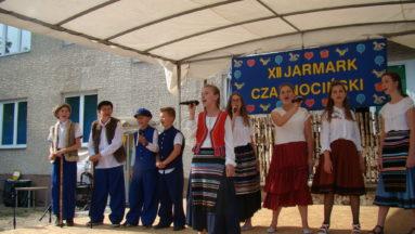 Śpiewem witamy wszystkich - występy uczniów