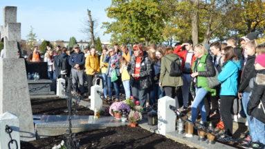 Odwiedziliśmy groby Bohaterów  poległych w obronie Ziemi Białobrzeskiej