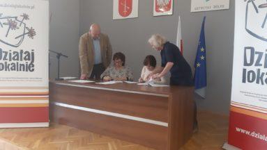 Organizacje w trakcie podpisywania umowy dotacyjnej