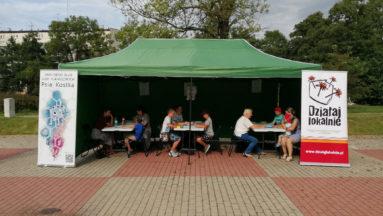 Zdjęcie przedstawia namiot gdzie można było grać w gry planszowe.