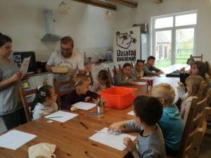 Spotkanie naświetlicy wiejskiej wRusku, dzieci grały pierwszy raz wgrę fabularną (RPG), bardzo im się podobało.