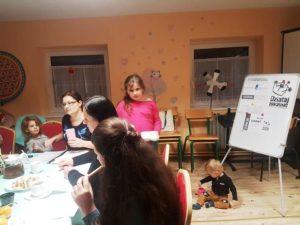 W zajęciach często biorą udział również dzieci uczestników projektu.