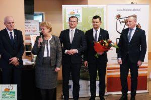 Zdjęcie przedstawia członków Stowarzyszenia podczas wystąpienia nagali. Przemawia prezes Stowarzyszenia.