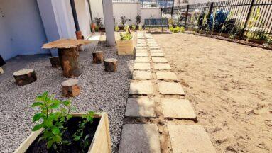 Zdjęcie powstającego ogrodu