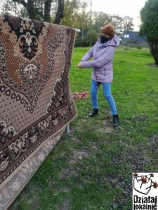 Trzepanie dywanu